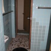 トイレ入口より